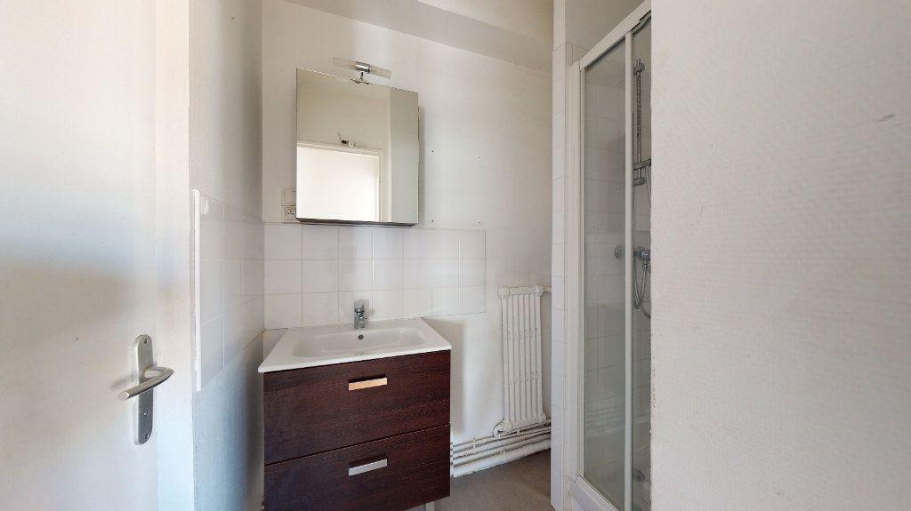 Appartement à louer 4 62.38m2 à Le Havre vignette-9