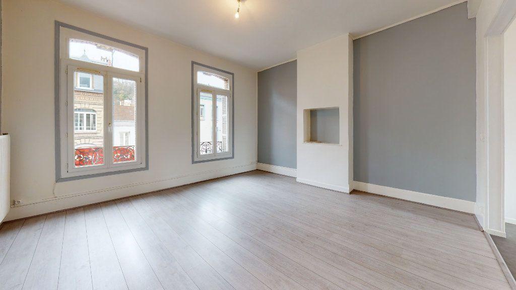 Appartement à louer 4 77.8m2 à Le Havre vignette-1