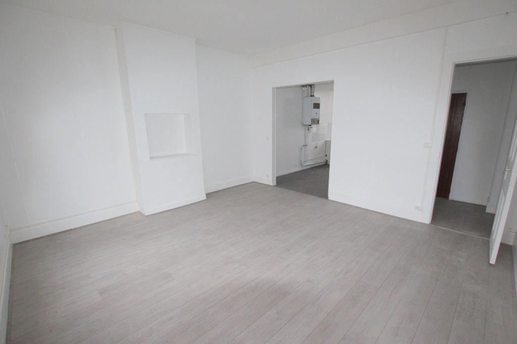 Appartement à louer 4 77.8m2 à Le Havre vignette-2