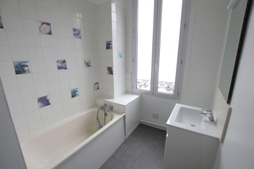 Appartement à louer 4 77.8m2 à Le Havre vignette-4
