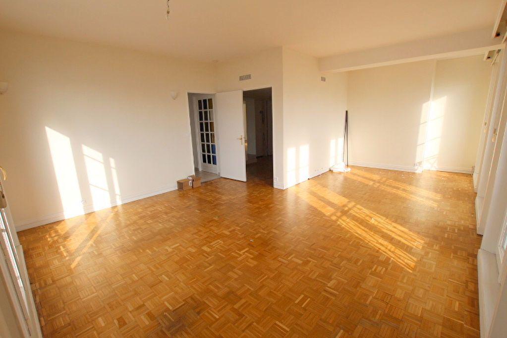 Appartement à louer 4 85.25m2 à Le Havre vignette-3