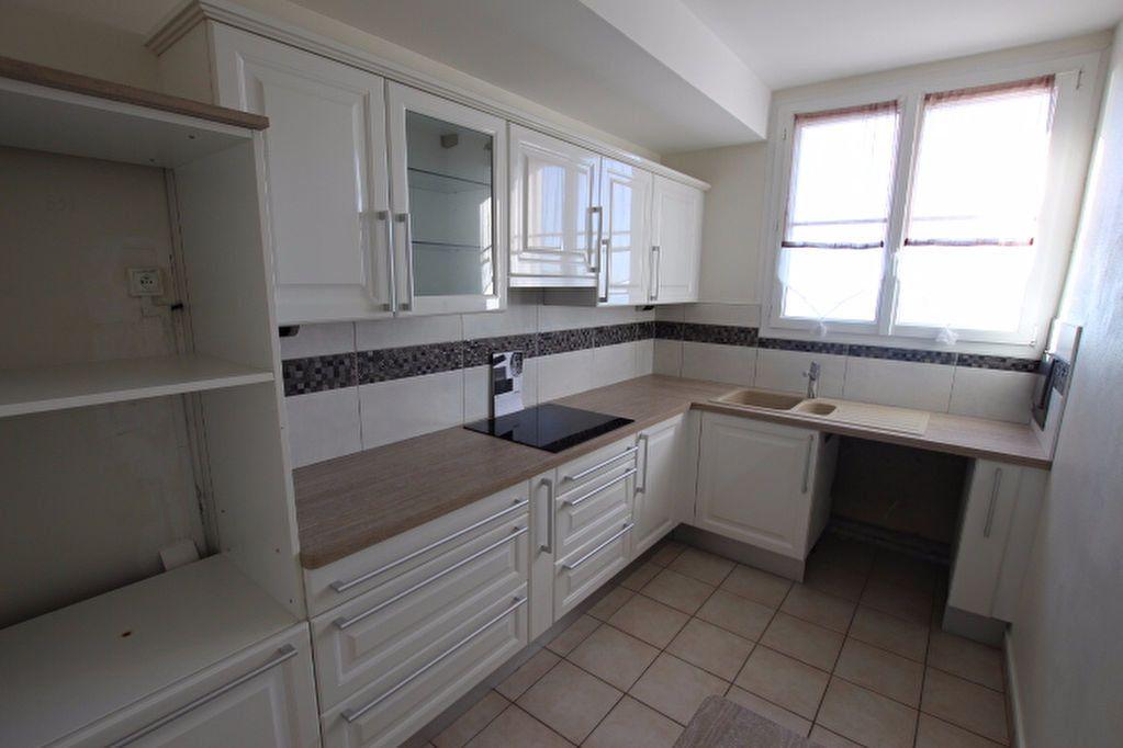 Appartement à louer 4 85.25m2 à Le Havre vignette-7