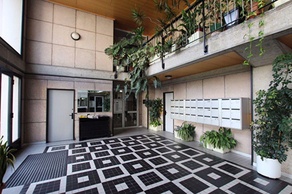 Appartement à louer 4 85.25m2 à Le Havre vignette-8