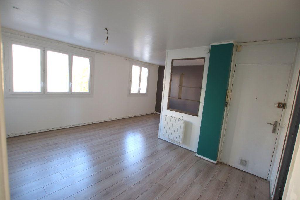 Appartement à louer 3 58.87m2 à Le Havre vignette-3