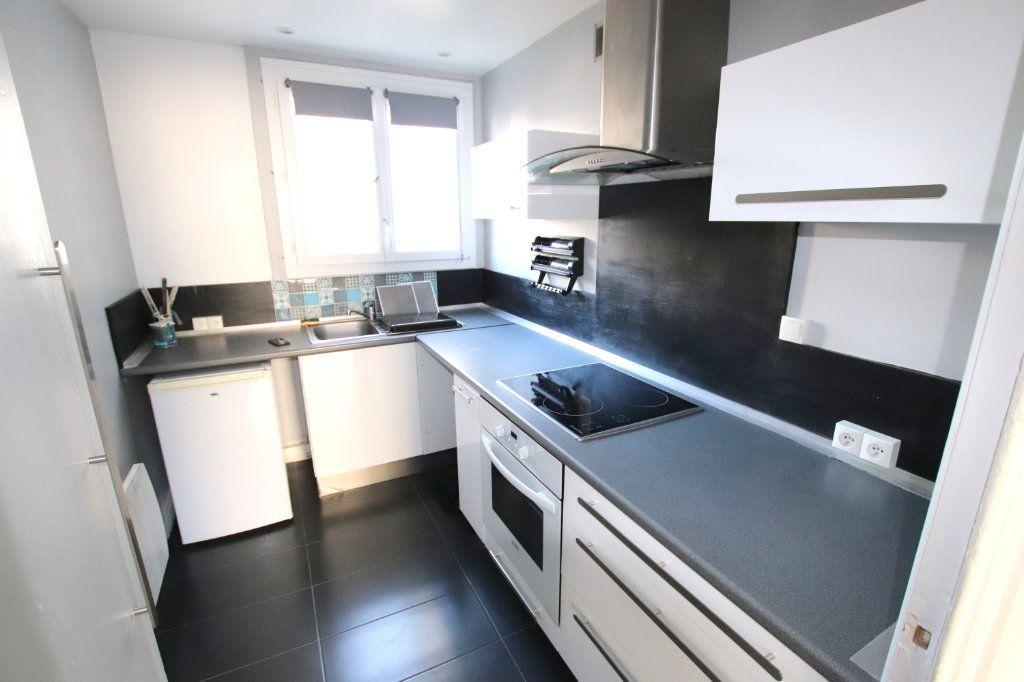 Appartement à louer 3 58.87m2 à Le Havre vignette-4