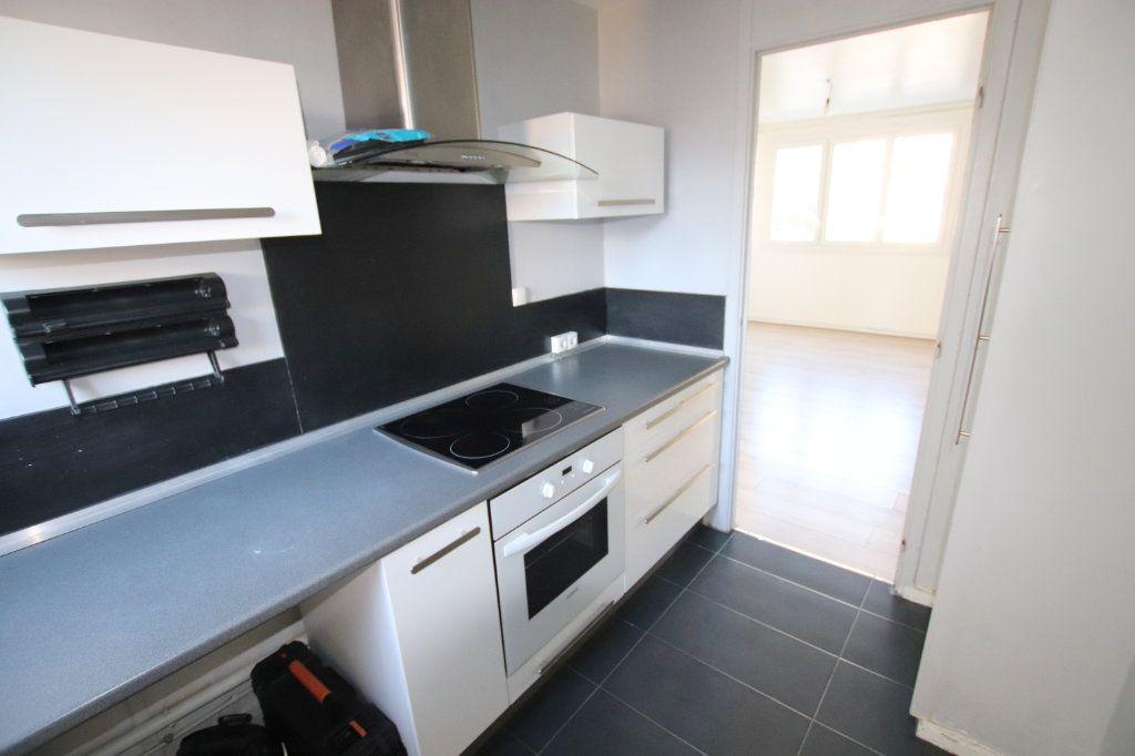 Appartement à louer 3 58.87m2 à Le Havre vignette-5
