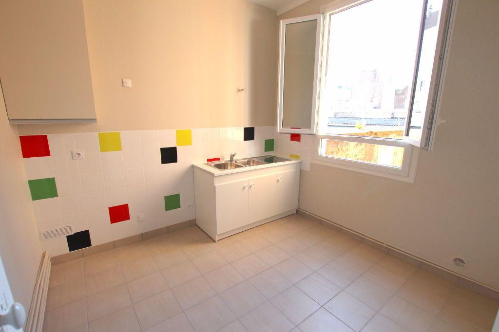 Appartement à louer 3 71.78m2 à Le Havre vignette-7
