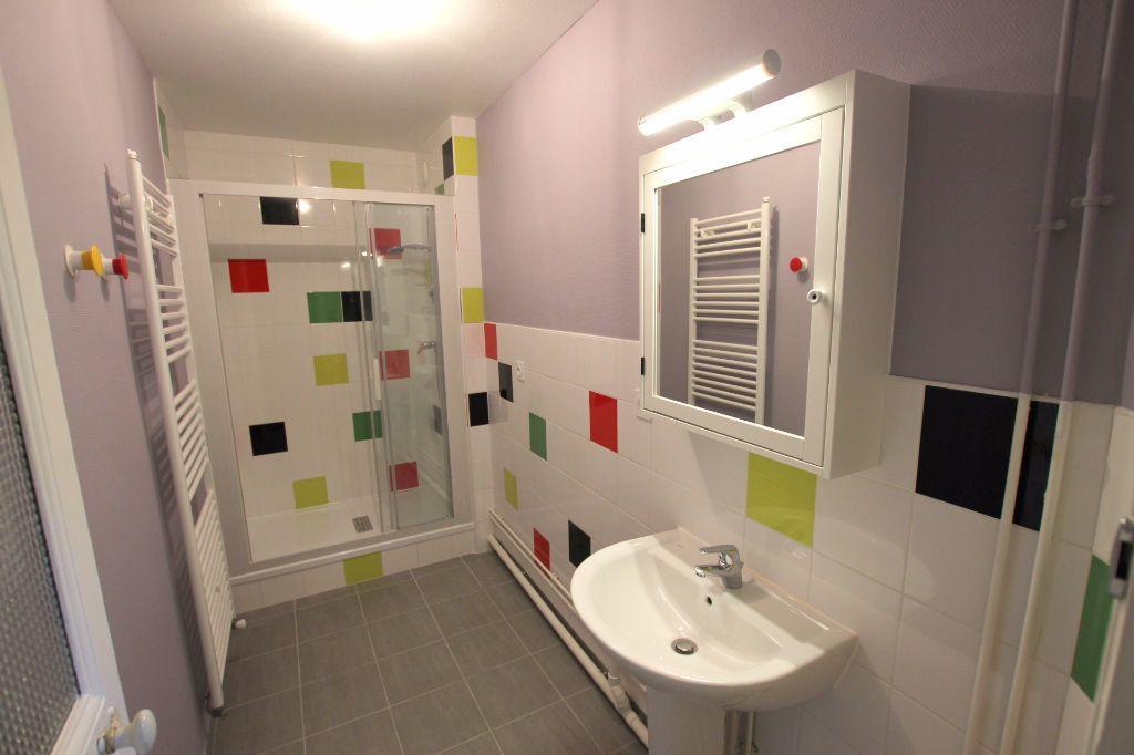 Appartement à louer 3 71.78m2 à Le Havre vignette-8