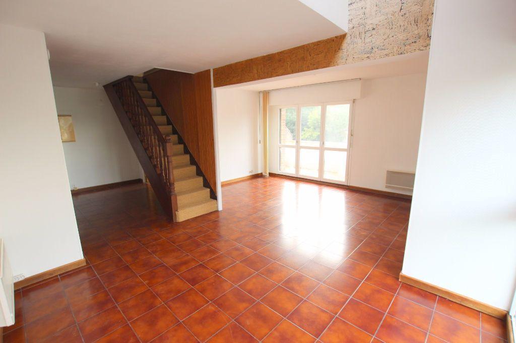 Appartement à louer 3 69.2m2 à Le Havre vignette-1