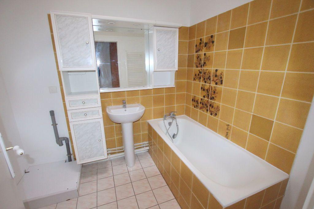 Appartement à louer 3 69.2m2 à Le Havre vignette-4