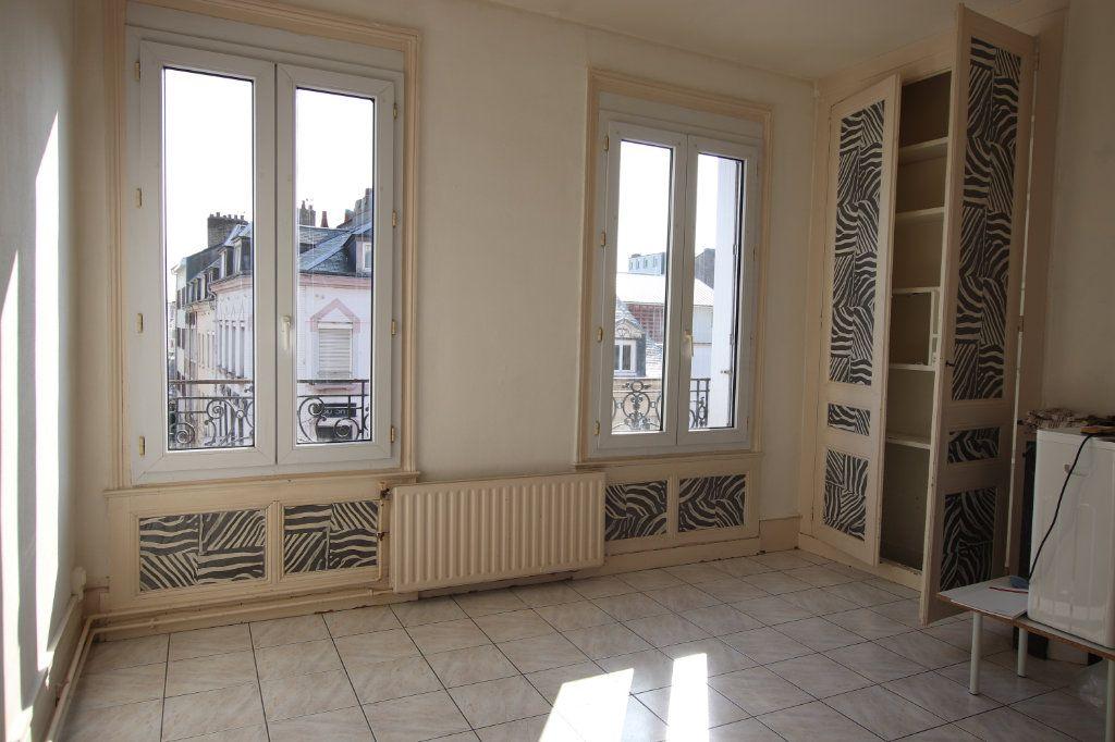 Appartement à louer 2 51.84m2 à Le Havre vignette-1