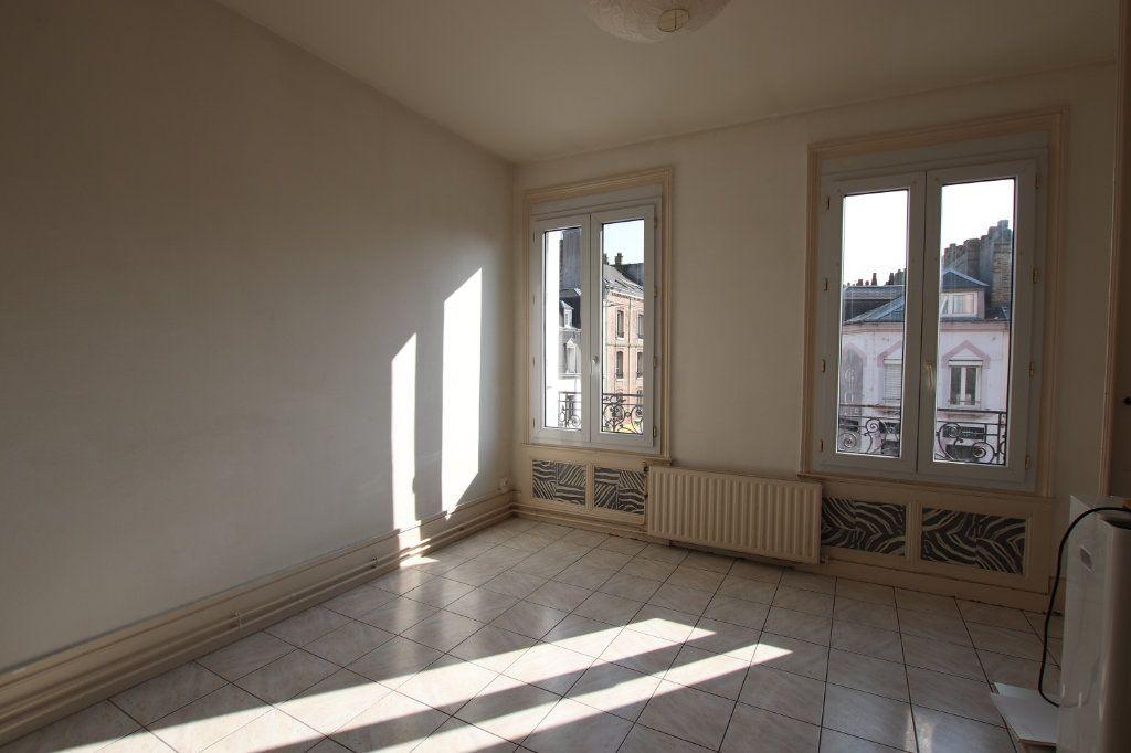 Appartement à louer 2 51.84m2 à Le Havre vignette-2