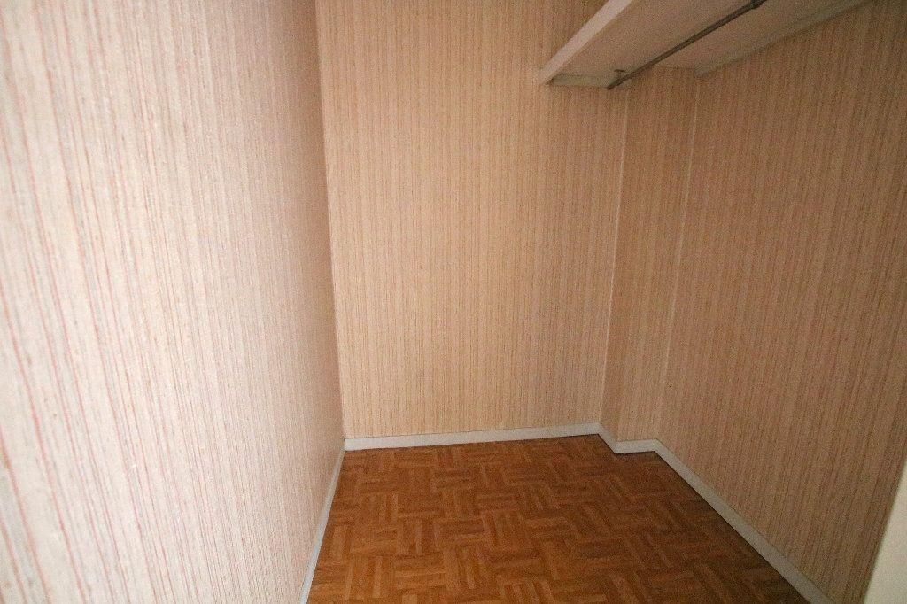 Appartement à louer 1 35.21m2 à Le Havre vignette-3