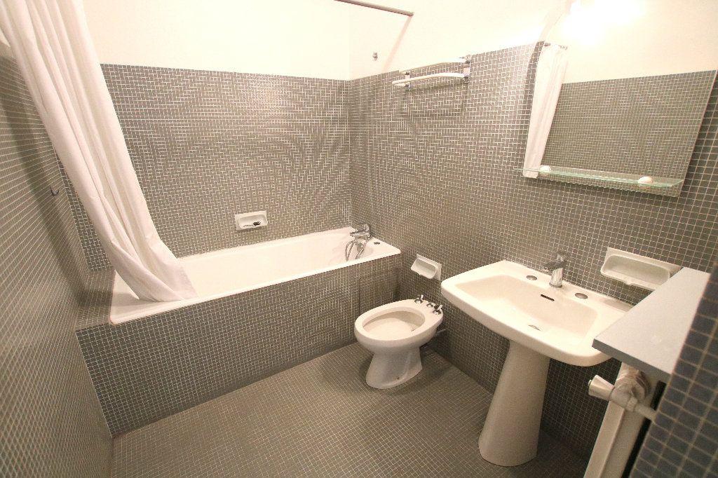 Appartement à louer 3 81.53m2 à Le Havre vignette-3