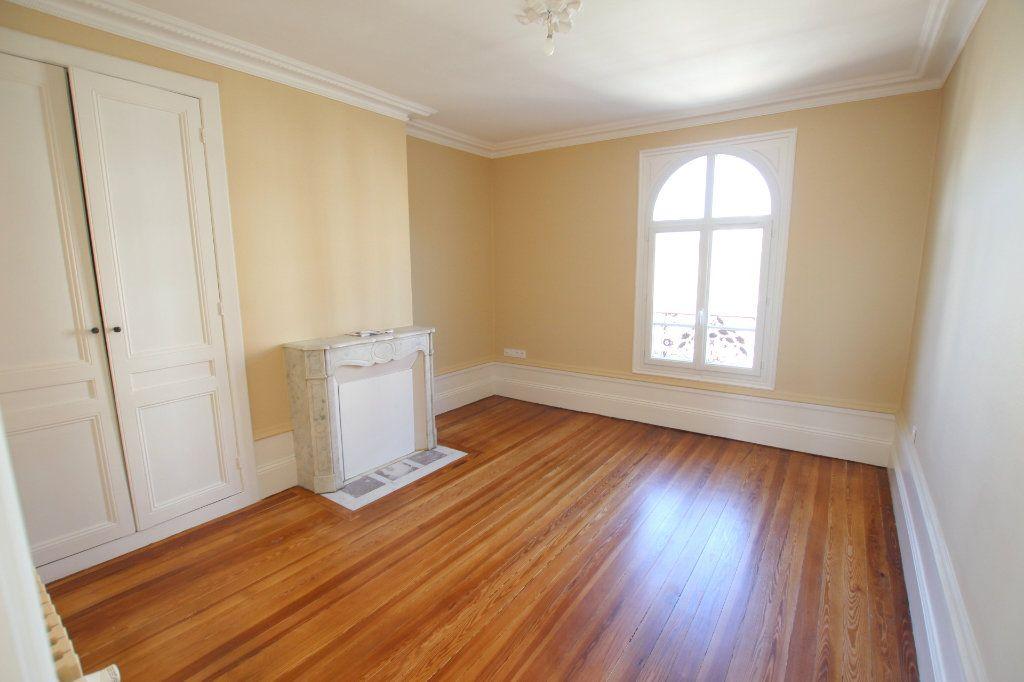 Appartement à louer 3 68.92m2 à Le Havre vignette-3