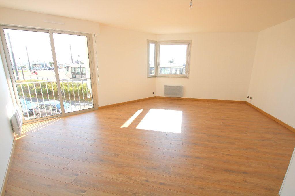 Appartement à louer 3 59.45m2 à Le Havre vignette-2
