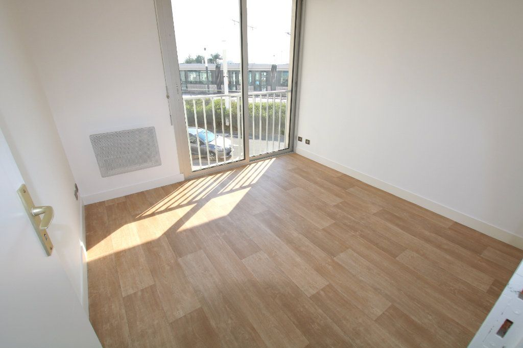 Appartement à louer 3 59.45m2 à Le Havre vignette-4