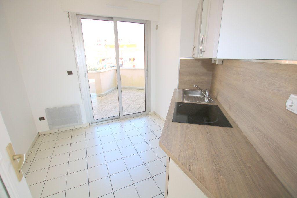 Appartement à louer 3 59.45m2 à Le Havre vignette-6