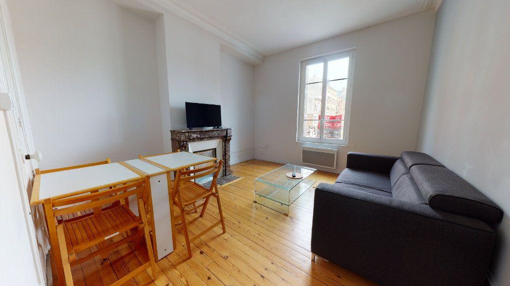 Appartement à louer 3 53.08m2 à Le Havre vignette-3