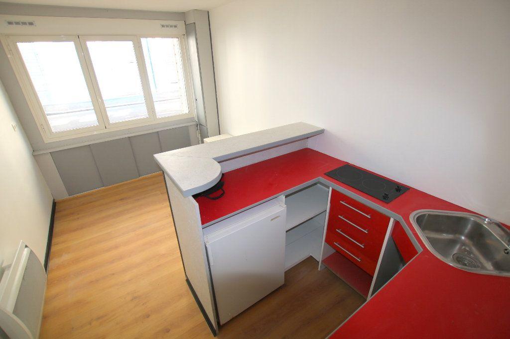Appartement à louer 1 17.14m2 à Le Havre vignette-2
