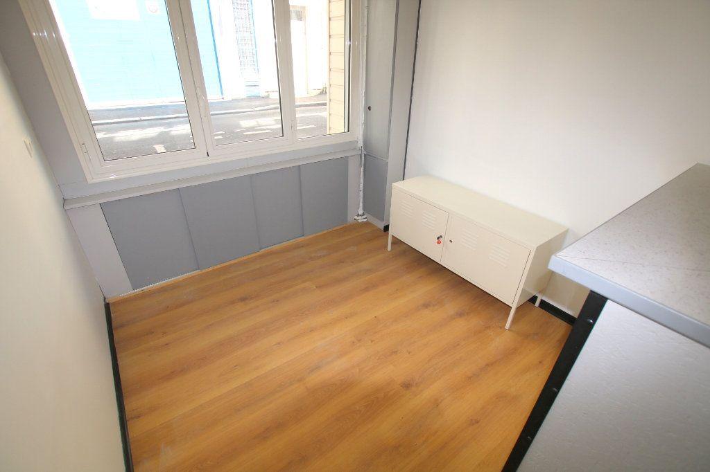 Appartement à louer 1 17.14m2 à Le Havre vignette-3
