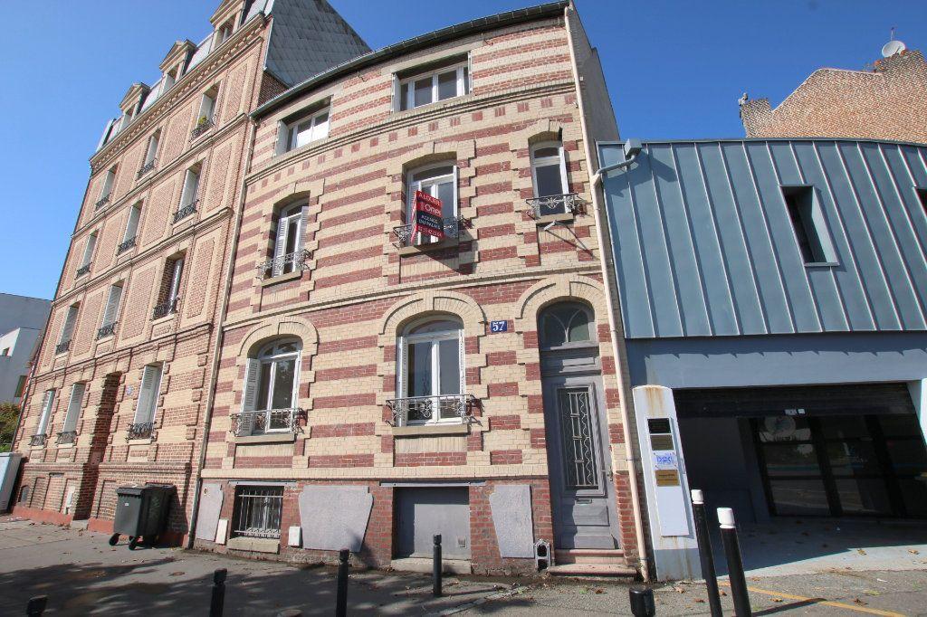 Maison à louer 5 117.74m2 à Le Havre vignette-1