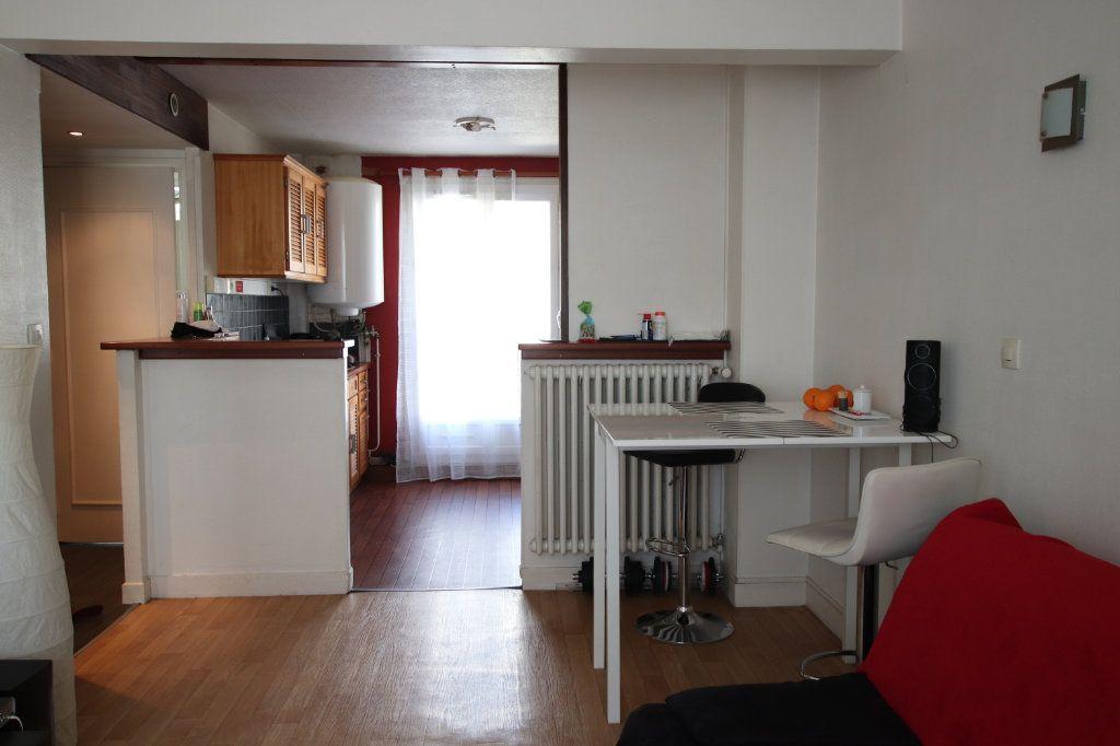 Appartement à louer 2 42.23m2 à Le Havre vignette-2