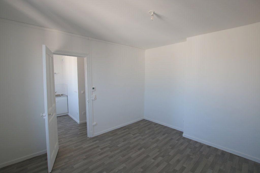 Appartement à louer 1 24.42m2 à Le Havre vignette-2