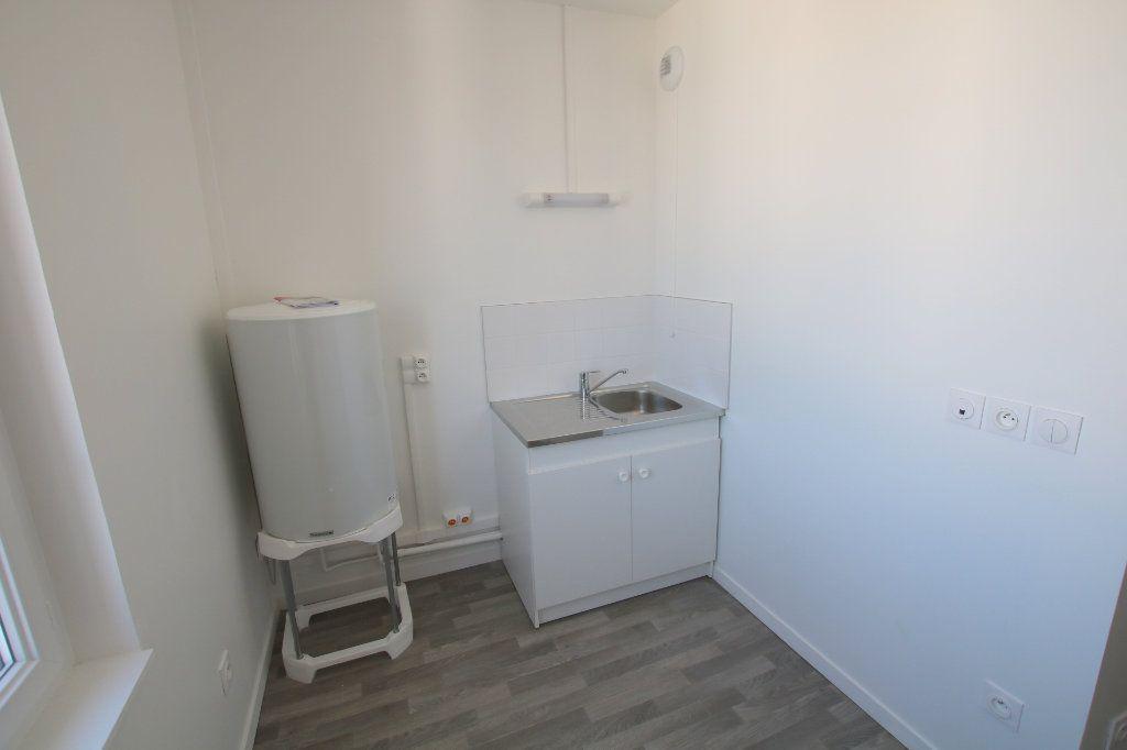 Appartement à louer 1 24.42m2 à Le Havre vignette-3