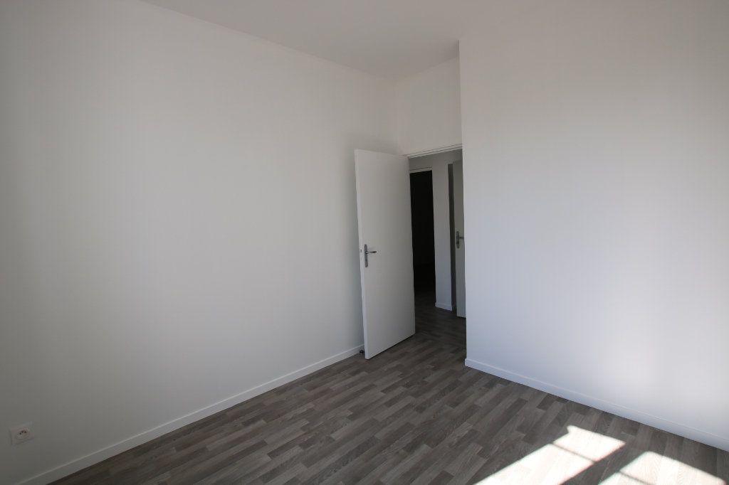 Appartement à louer 3 46.03m2 à Le Havre vignette-3