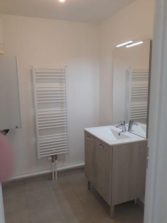 Appartement à louer 2 42.3m2 à Montivilliers vignette-6