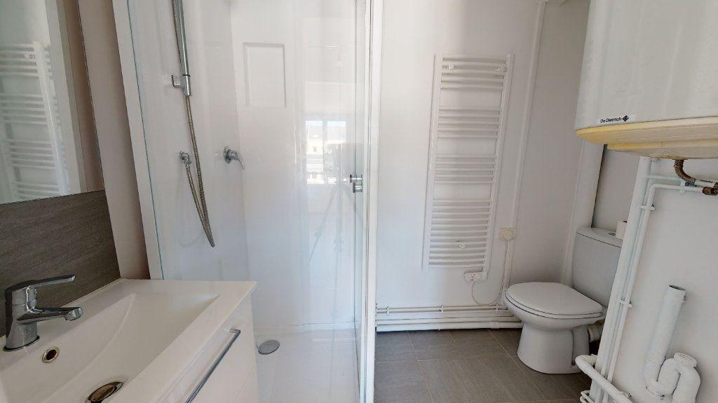 Appartement à louer 2 26.03m2 à Le Havre vignette-5