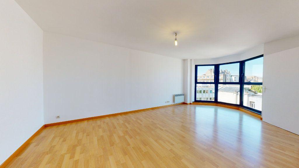 Appartement à louer 3 62.82m2 à Le Havre vignette-3