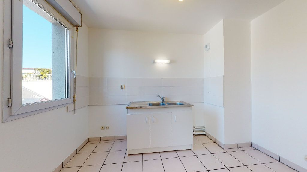 Appartement à louer 3 62.82m2 à Le Havre vignette-4
