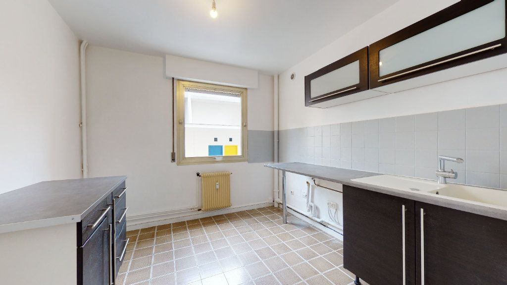 Appartement à louer 3 59.72m2 à Le Havre vignette-3