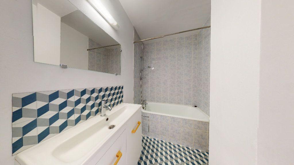 Appartement à louer 3 59.72m2 à Le Havre vignette-4