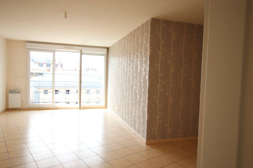Appartement à louer 3 69.1m2 à Le Havre vignette-1