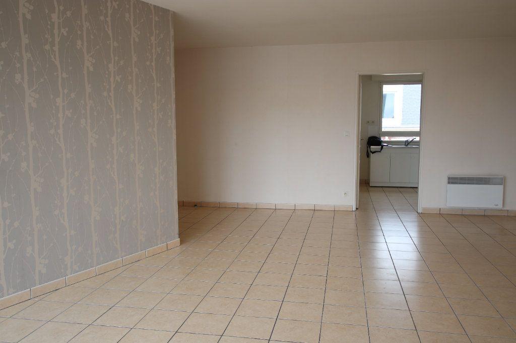Appartement à louer 3 69.1m2 à Le Havre vignette-2