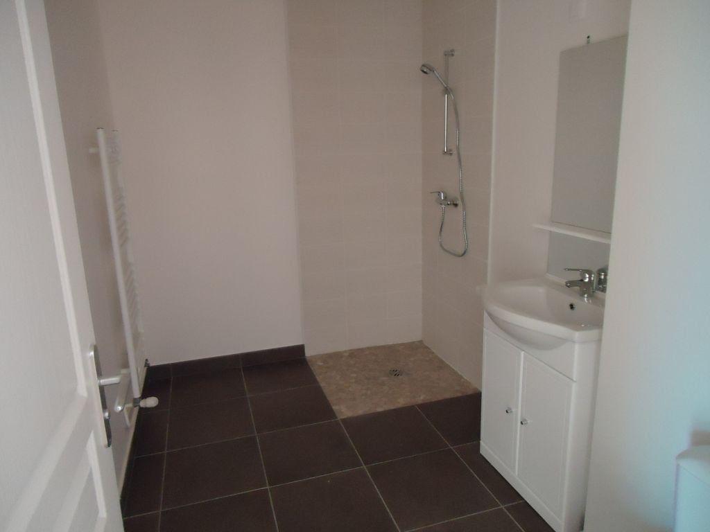Appartement à louer 2 51m2 à Le Havre vignette-4