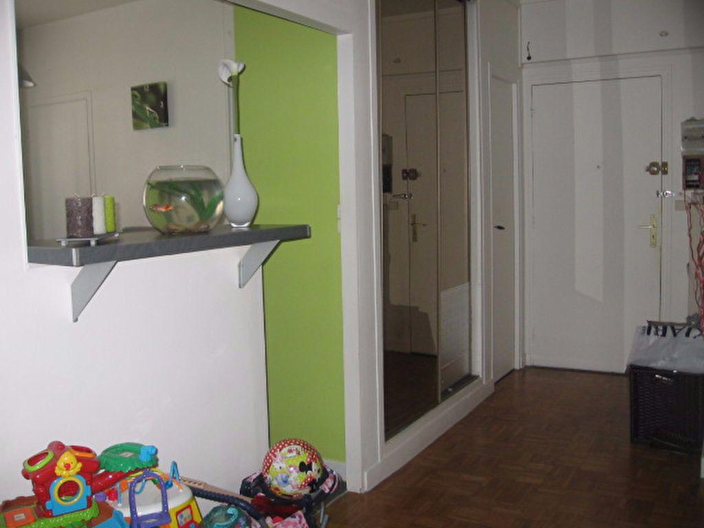 Appartement à louer 3 66.56m2 à Le Havre vignette-3