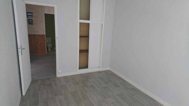Appartement à louer 4 74.55m2 à Le Havre vignette-4
