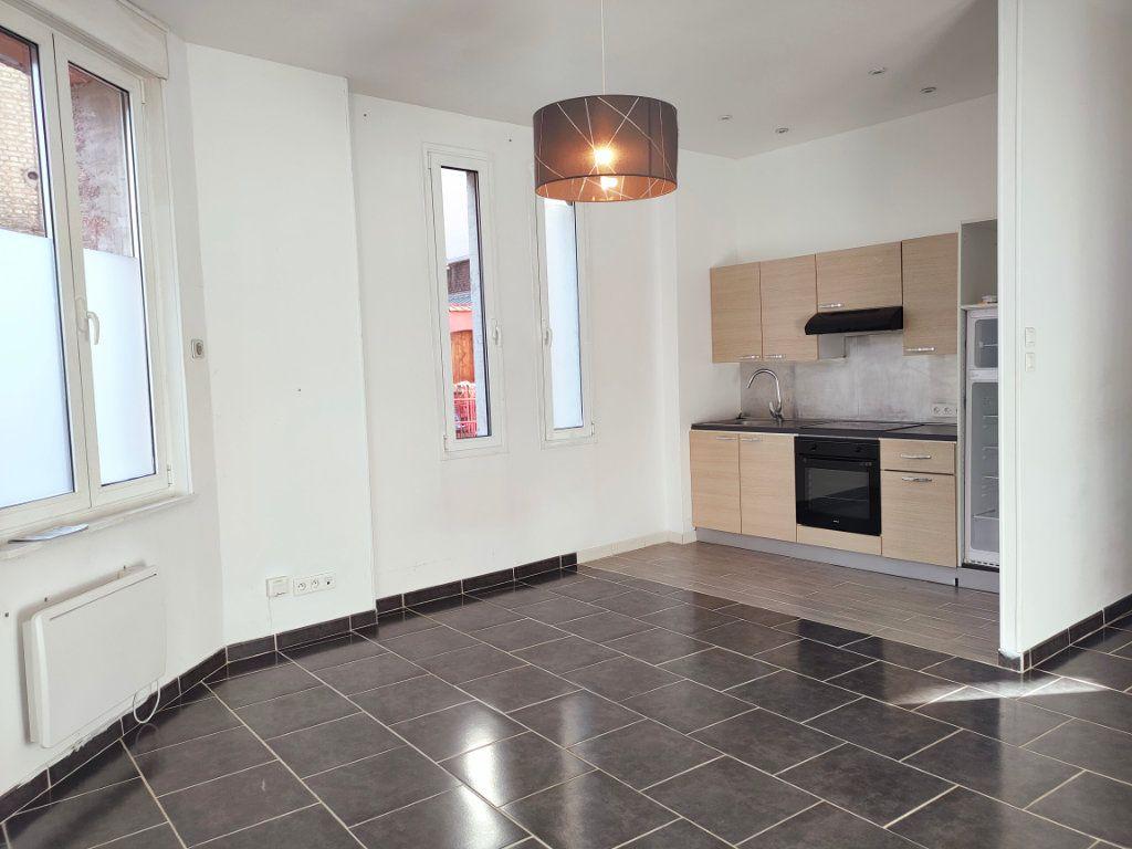 Appartement à louer 2 47.33m2 à Le Havre vignette-1