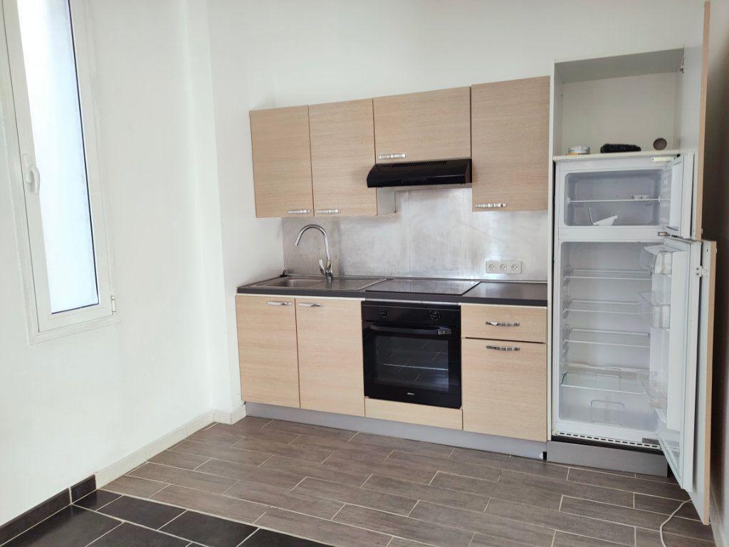 Appartement à louer 2 47.33m2 à Le Havre vignette-2