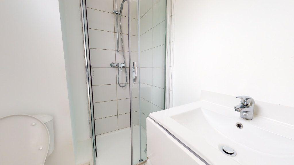 Appartement à louer 2 37m2 à Montivilliers vignette-3