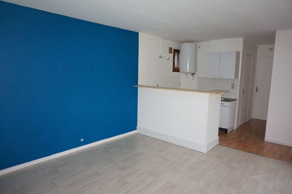 Maison à louer 2 35m2 à Merville-Franceville-Plage vignette-3