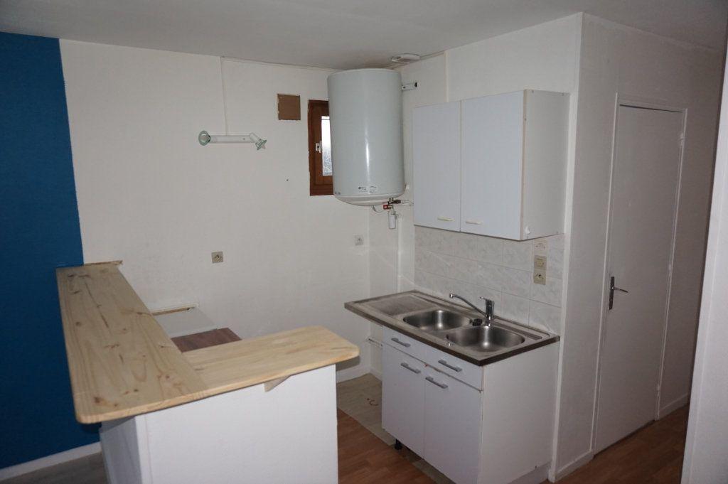 Maison à louer 2 35m2 à Merville-Franceville-Plage vignette-4