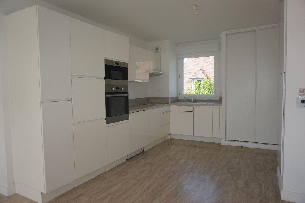 Appartement à louer 3 57m2 à Varaville vignette-2