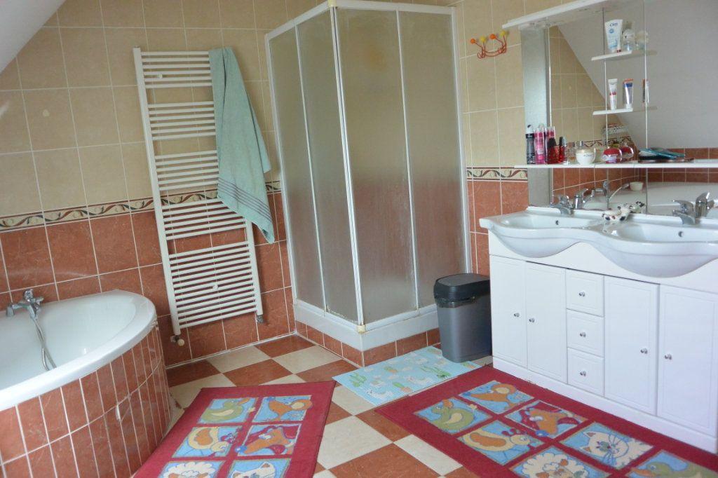 Maison à vendre 6 181m2 à Frénouville vignette-5