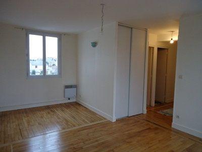 Appartement à louer 3 60.01m2 à Tours vignette-2