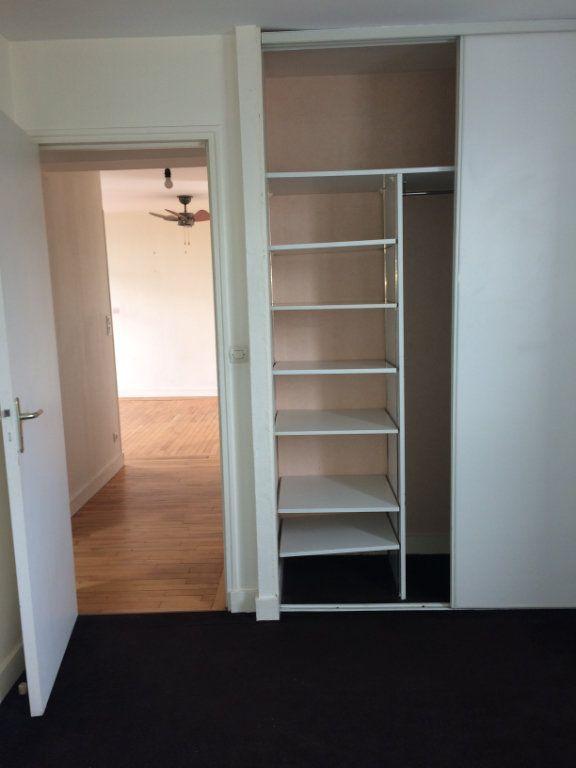 Appartement à louer 3 60.01m2 à Tours vignette-7
